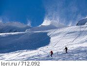 Купить «Лыжники на четвертой очереди канатной дороги Альпика-Сервис», фото № 712092, снято 12 февраля 2009 г. (c) SummeRain / Фотобанк Лори