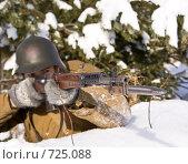 Купить «Советско-Финская война 1939-1940: красноармеец целится из винтовки СВТ-40. Фокус на стволе», фото № 725088, снято 23 февраля 2009 г. (c) Дмитрий Черевко / Фотобанк Лори