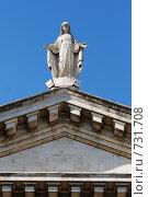 Купить «Статуя на крыше собора в Ницце», фото № 731708, снято 20 августа 2008 г. (c) Александр Чернышёв / Фотобанк Лори