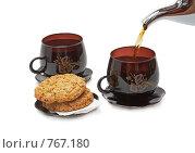 Купить «Две чашки с чаем, печенье и чайник. Изолировано от фона.», фото № 767180, снято 8 февраля 2009 г. (c) Vitas / Фотобанк Лори
