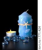 Купить «Свечи и синие стеклянные камушки на черном фоне», фото № 771424, снято 6 мая 2008 г. (c) Михаил Белков / Фотобанк Лори