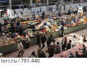 Рынок. Овощной ряд. (2009 год). Редакционное фото, фотограф Владимир Цветов / Фотобанк Лори
