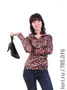 Купить «Девушка держит  туфли», фото № 785016, снято 27 февраля 2009 г. (c) Anna Kavchik / Фотобанк Лори