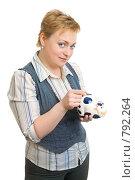 Купить «Девушка с копилкой», фото № 792264, снято 6 февраля 2009 г. (c) Ольга Красавина / Фотобанк Лори