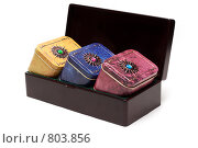Купить «Железная коробка с чаем», фото № 803856, снято 5 марта 2009 г. (c) Руслан Кудрин / Фотобанк Лори