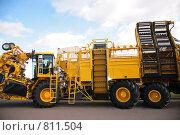 Купить «Сельскохозяйственный грузовик», фото № 811504, снято 18 ноября 2017 г. (c) Losevsky Pavel / Фотобанк Лори