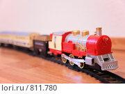 Купить «Красный игрушечный паровоз», фото № 811780, снято 14 декабря 2018 г. (c) Losevsky Pavel / Фотобанк Лори