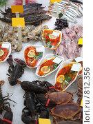 Купить «Морепродукты в магазине», фото № 812356, снято 17 января 2008 г. (c) Losevsky Pavel / Фотобанк Лори