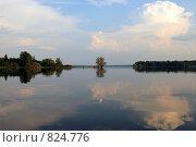Купить «Озеро Стерж», фото № 824776, снято 10 июля 2006 г. (c) Vladimir Rogozhnikov / Фотобанк Лори