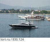 Яхты у пирса. Греция, о.Корфу (2008 год). Стоковое фото, фотограф Олег Гусев / Фотобанк Лори