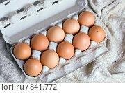 Купить «Десяток куриных яиц», фото № 841772, снято 28 апреля 2009 г. (c) Сергей Лаврентьев / Фотобанк Лори