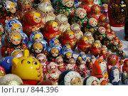 Купить «Русские  сувениры. Матрешки», фото № 844396, снято 11 апреля 2009 г. (c) Николай Гернет / Фотобанк Лори