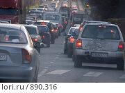 Купить «Движение на московской дороге», фото № 890316, снято 8 ноября 2008 г. (c) Синицын Игорь / Фотобанк Лори