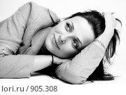 Купить «Портрет девушки», фото № 905308, снято 31 мая 2009 г. (c) Машбиц Любовь Викторовна / Фотобанк Лори