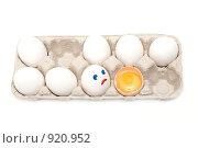 Купить «Куриные яйца в лотке», фото № 920952, снято 8 июня 2009 г. (c) Руслан Кудрин / Фотобанк Лори