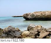 Купить «Камни, море, небо», фото № 922180, снято 16 апреля 2009 г. (c) Евгений Одеров / Фотобанк Лори
