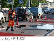 Разметка дороги (2009 год). Редакционное фото, фотограф Даниил Петров / Фотобанк Лори