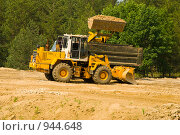 Купить «Строительство автомобильного моста через Оку возле города Мурома», фото № 944648, снято 11 июня 2009 г. (c) Олег Тыщенко / Фотобанк Лори