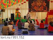 Купить «Храм Кришны. Праздник колесниц», эксклюзивное фото № 951152, снято 6 июня 2009 г. (c) lana1501 / Фотобанк Лори