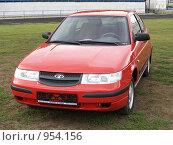Купить «Автомобиль ВАЗ 2112», фото № 954156, снято 8 сентября 2007 г. (c) Александр Легкий / Фотобанк Лори
