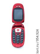 Купить «Красный мобильный телефон - раскладушка», фото № 954924, снято 23 июня 2018 г. (c) Олег Шеломенцев / Фотобанк Лори