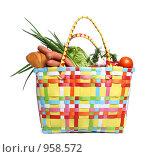Купить «Хозяйственная сумка с продуктами», фото № 958572, снято 1 июля 2009 г. (c) Григорьева Любовь / Фотобанк Лори