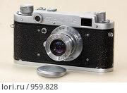 Пленочный фотоаппарат ФЭД-2 (2009 год). Редакционное фото, фотограф gooclia / Фотобанк Лори