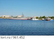 Купить «Город Набережные Челны. Порт», фото № 961452, снято 27 июня 2009 г. (c) Булат Каримов / Фотобанк Лори