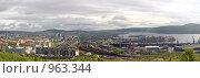 Купить «Мурманск. Панорама порта, железнодорожного вокзала и центра города», фото № 963344, снято 27 июня 2009 г. (c) Вячеслав Беляев / Фотобанк Лори