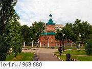 Купить «Никольский кафедральный собор, часовня и сквер в Оренбурге», эксклюзивное фото № 968880, снято 30 июня 2009 г. (c) Кучкаев Марат / Фотобанк Лори