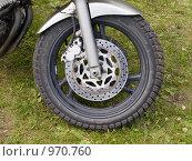 Купить «Переднее колесо гоночного мотоцикла», фото № 970760, снято 4 июля 2009 г. (c) Коротеев Сергей / Фотобанк Лори