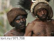 Мужчины провинции Ириан Джай (2007 год). Редакционное фото, фотограф Александр Киселев / Фотобанк Лори