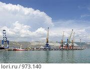 Купить «Панорама набережной в Новороссийске», фото № 973140, снято 25 июня 2009 г. (c) Игорь Долгов / Фотобанк Лори