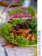 Мясо на праздничном  столе. Стоковое фото, фотограф Tatiana / Фотобанк Лори