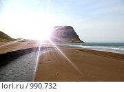 Купить «Мыс на острове Сахалин и утреннее солнце», фото № 990732, снято 1 января 2006 г. (c) RedTC / Фотобанк Лори