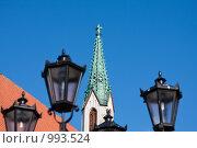 Купить «Старая Рига. Фонари и башня», фото № 993524, снято 19 августа 2018 г. (c) Александр Трушкин / Фотобанк Лори