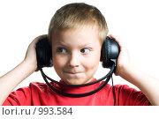 Купить «Мальчик в наушниках», фото № 993584, снято 28 июня 2009 г. (c) Юлия Сайганова / Фотобанк Лори