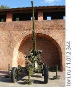 Купить «Нижегородский кремль, выставка боевой техники», фото № 1012344, снято 18 августа 2018 г. (c) Александр Карачкин / Фотобанк Лори