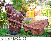 Купить «Цветочная клумба в виде лошадки», фото № 1025108, снято 6 августа 2009 г. (c) Оксана Белая / Фотобанк Лори