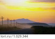 Купить «Вечерняя дорога после заката. Южный Сахалин», фото № 1029344, снято 8 августа 2009 г. (c) RedTC / Фотобанк Лори