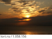 Закат на море. Стоковое фото, фотограф Дмитрий Жеглов / Фотобанк Лори