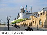 Купить «Вид на Казанский кремль с улицы Баумана», фото № 1069388, снято 13 августа 2009 г. (c) Алексей Баринов / Фотобанк Лори