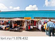 Купить «Торговые ряды в Касимове», фото № 1078432, снято 18 августа 2018 г. (c) Александр Трушкин / Фотобанк Лори