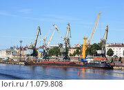 Купить «Грузовой порт.г.Выборг», фото № 1079808, снято 21 августа 2009 г. (c) Татьяна Иванова / Фотобанк Лори