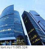 Купить «Небоскребы», фото № 1085324, снято 3 августа 2009 г. (c) Роман Сигаев / Фотобанк Лори