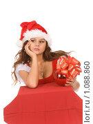 Купить «Девушка в костюме Санты», фото № 1088860, снято 30 августа 2008 г. (c) Валентин Мосичев / Фотобанк Лори