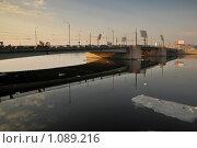 Купить «Тучков мост через Малую Неву. Санкт-Петербург», эксклюзивное фото № 1089216, снято 13 апреля 2009 г. (c) Александр Алексеев / Фотобанк Лори