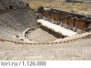 Купить «Амфитеатр в античном городе Хиераполис, Турция», фото № 1126000, снято 8 августа 2008 г. (c) Роман Бородаев / Фотобанк Лори