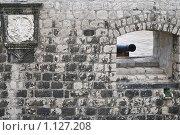 Купить «Фрагмент крепостной стены Старого города. Дубровник, Старый город, Хорватия.», фото № 1127208, снято 5 сентября 2009 г. (c) Сергей Бесчастный / Фотобанк Лори