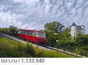 Купить «Летний пейзаж с красным вагоном фуникулера», фото № 1133940, снято 6 августа 2009 г. (c) Олег Рубик / Фотобанк Лори